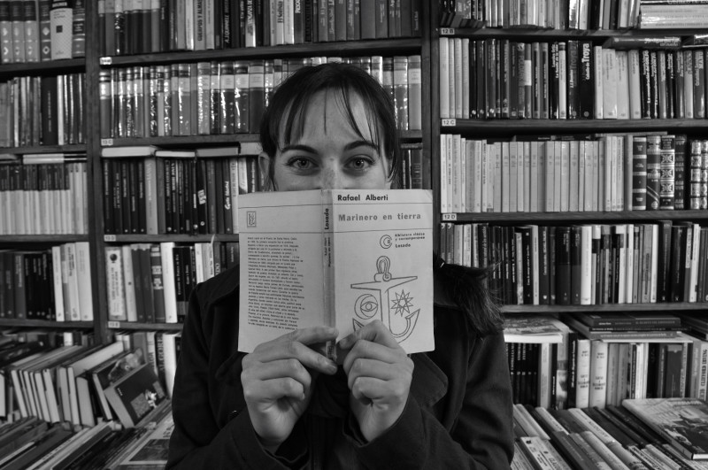ojos tras el libro_7181