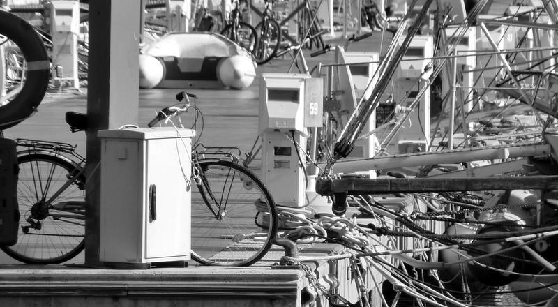 bicicleta en el puerto