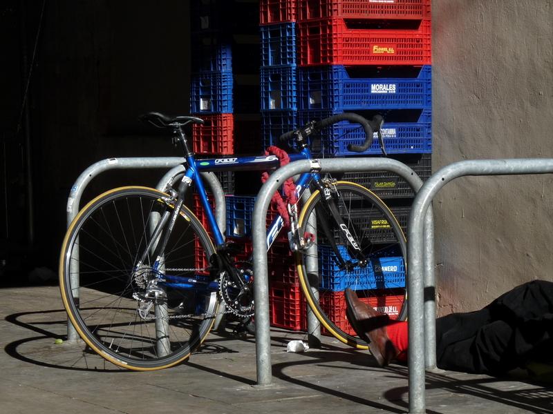 cajas y bicicletas