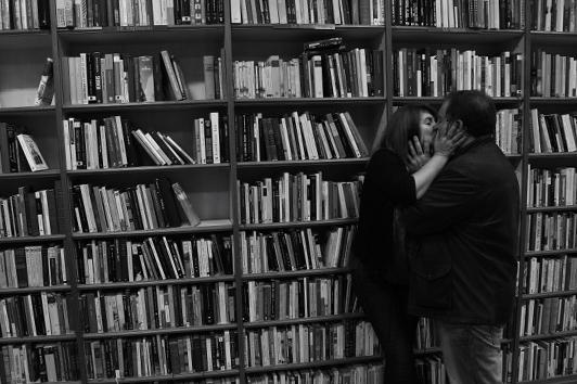 besarse en granada.besos entre las manos_8761