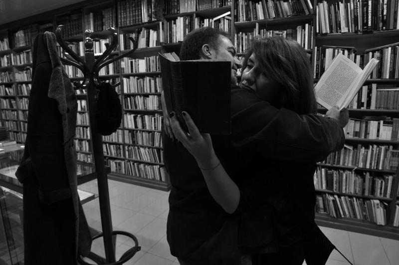 besarseen granada.lectura en tus brazos_8762